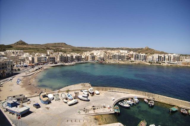 Gozo - Marsalforn by Rene Rossignaud