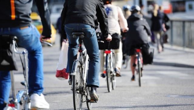bicicletta per spostarsi in città