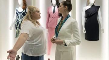 Attenti a quelle due: buddy movie in rosa con Anne Hathaway (recensione)