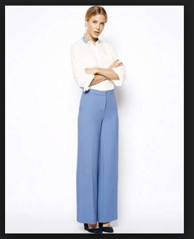 Camicia su jeans, per un look più sbarazzino ma comunque elegante