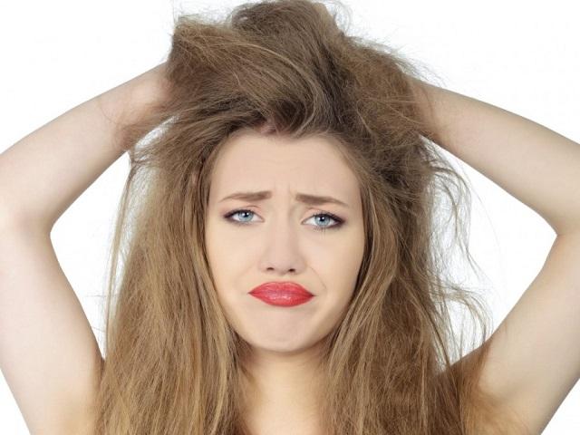 capelli-crespi-trattamento-cheratina