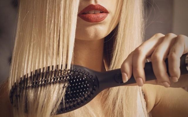 come avere capelli lisci spazzola lisciante GHD glide