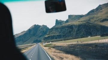 Il fascino del viaggio on the road: cosa fare quando la strada chiama