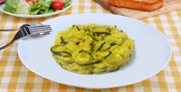 risotto-curcuma-zucchine-mandorle