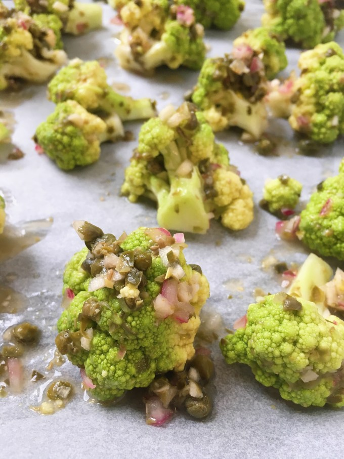 Green cauliflower with capers and seasoning