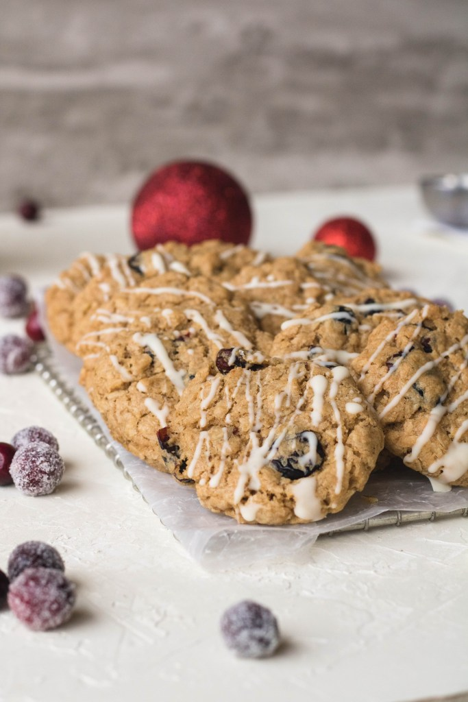 Cranberry cookies with white chocolate drizzled on top