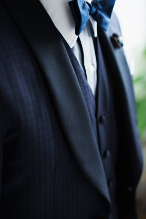 拝絹を付けるラペルにはあえてウール素材でカジュアルスタイルに|lifestyleorder