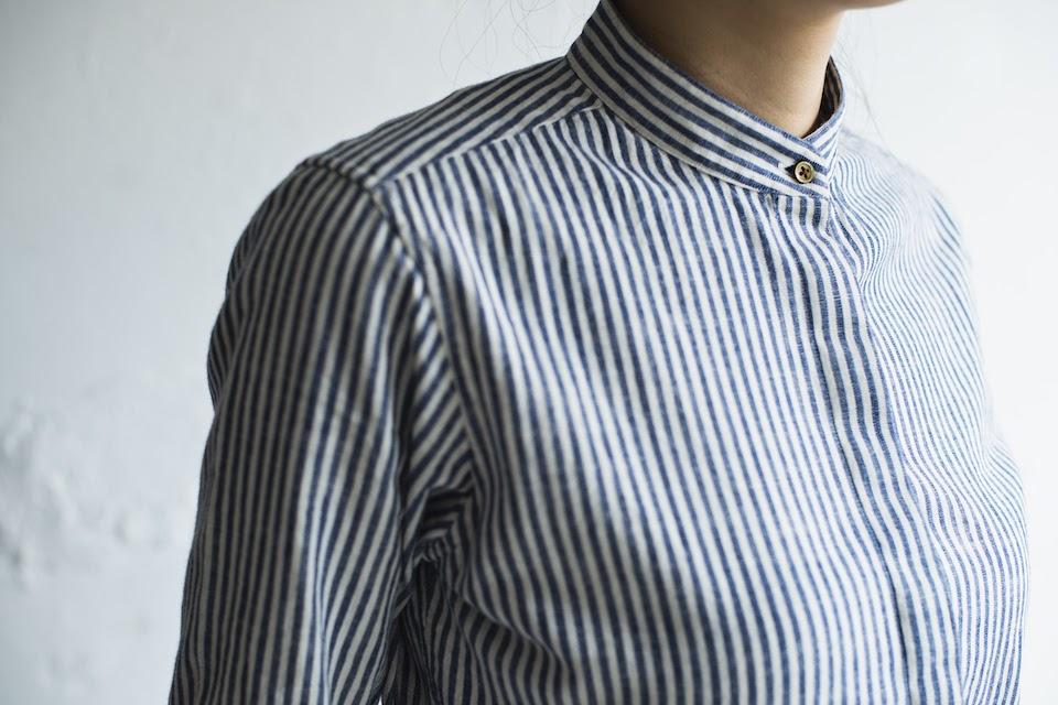 スタンドカラーシャツのレディースセットアップ