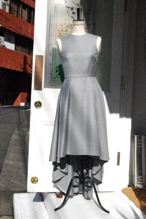 ワンピースドレス,フロントデザイン