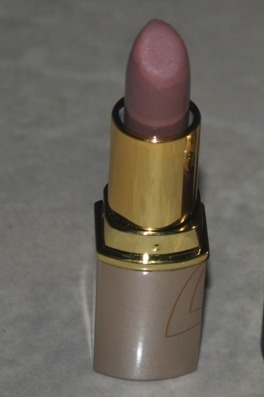 Review: Lotus Herbals Pure Color Lipstick in Mod Mauve