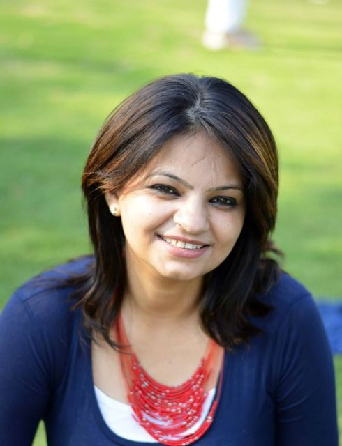 Meet The Bloggers Sania