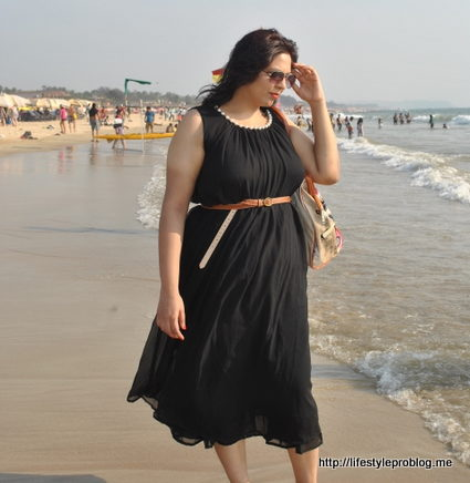 Black Maxi Beach 1