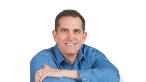 Cherry_Blossom_Cafe_David Reeve_Headshot_Vancouver_Financial-Planning_Podcasts_Lynn_Williams_The_Lifestyle_Protector