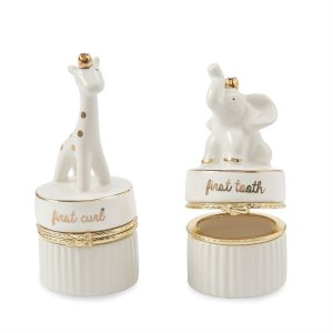 "Mud Pie <a href=""https://lifestylesgiftware.com/product/mud-pie-giraffe-elephant-tooth-curl-set/"">Giraffe Elephant Toothcurl Set</a>"