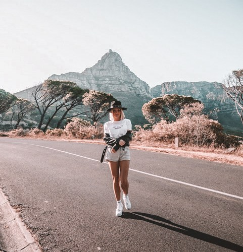 Meet The Traveler: Lifestyle Blogger Farah Cuyvers | lifestyletraveler.co | IG: @lifestyletraveler.co