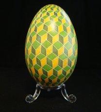 geometric_design_on_goose_egg_by_natakuaya-d79z54f