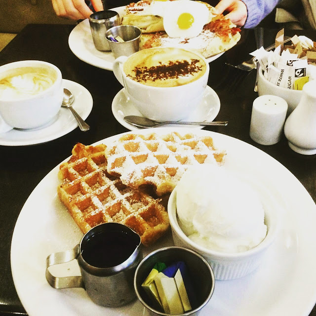 Moose-Coffee-Liverpool-Dale-St-American-Waffles-And-Pancakes