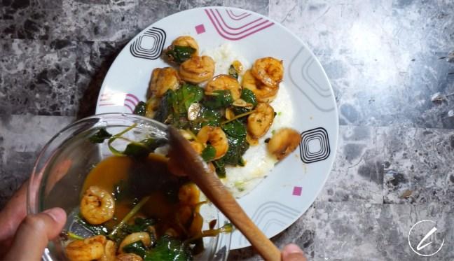 Lemony Paprika Shrimp with Grits 5
