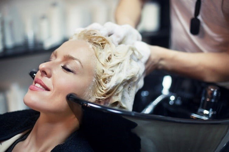 head-wash-summer-safety-tips