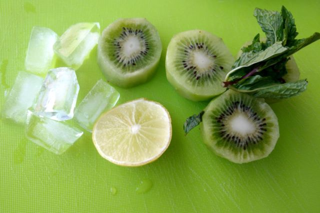 how to make Kiwi Margarit