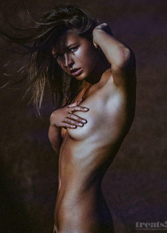 Marisa Papen 49
