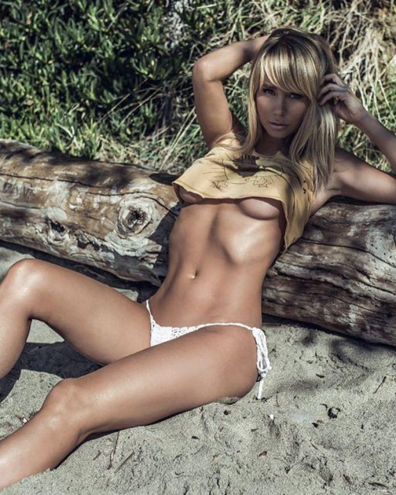 Sara Underwood 28