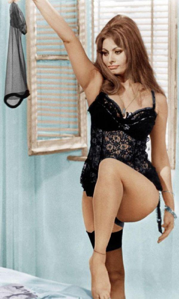Sexy Sophia Loren 12