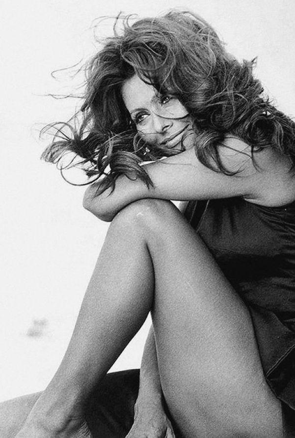Sexy Sophia Loren 32