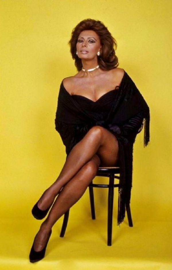 Sexy Sophia Loren 35