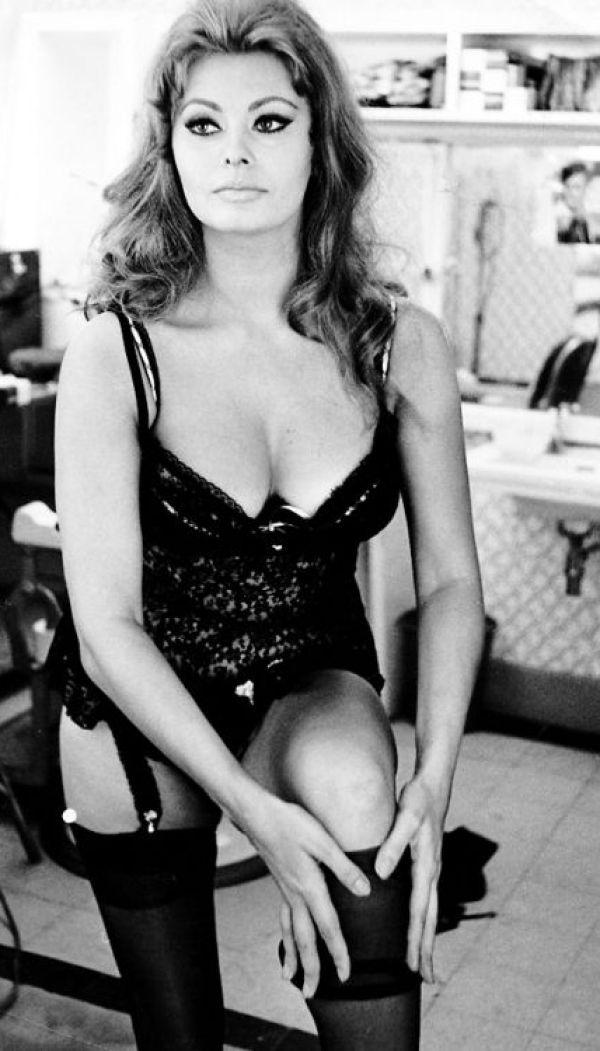 Sexy Sophia Loren 37