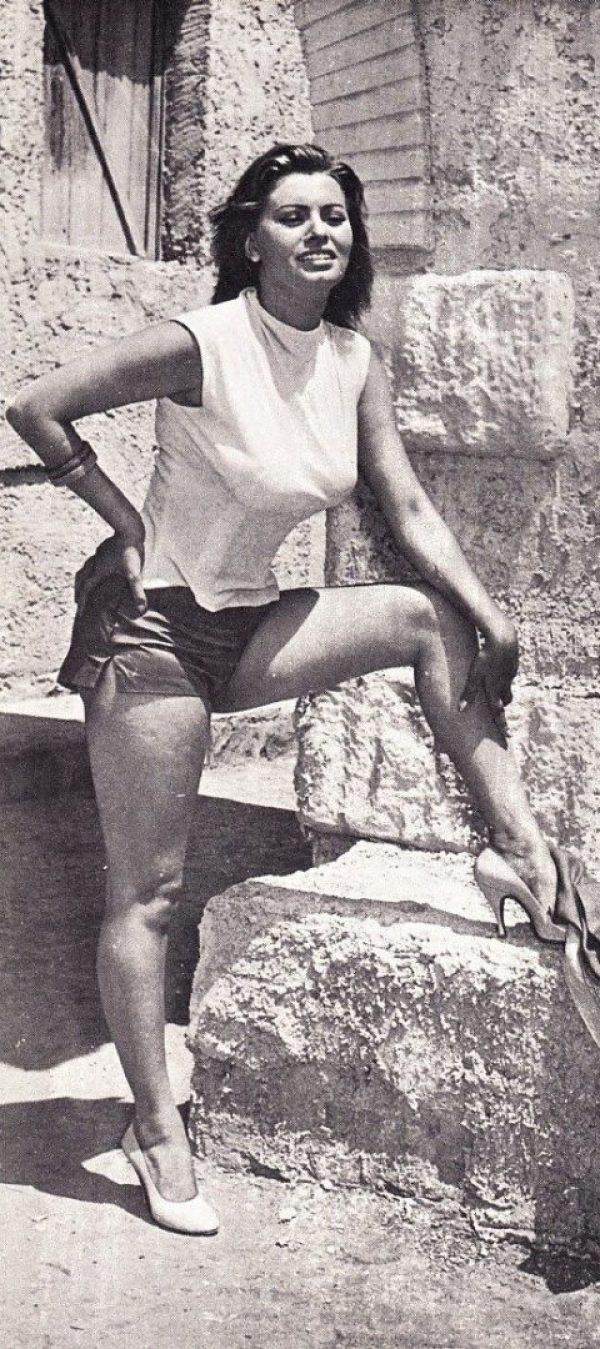 Sexy Sophia Loren 63