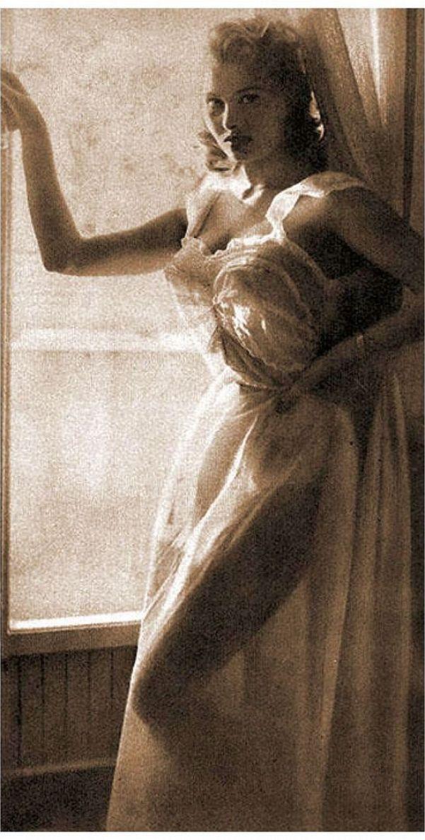 Sexy Sophia Loren 96