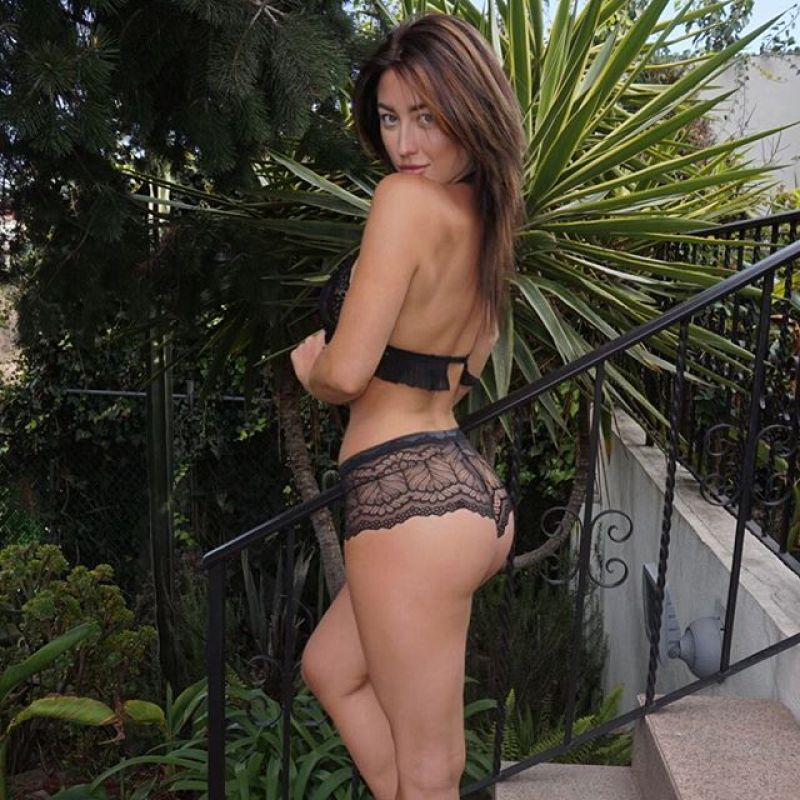 Stefanie Knight 28