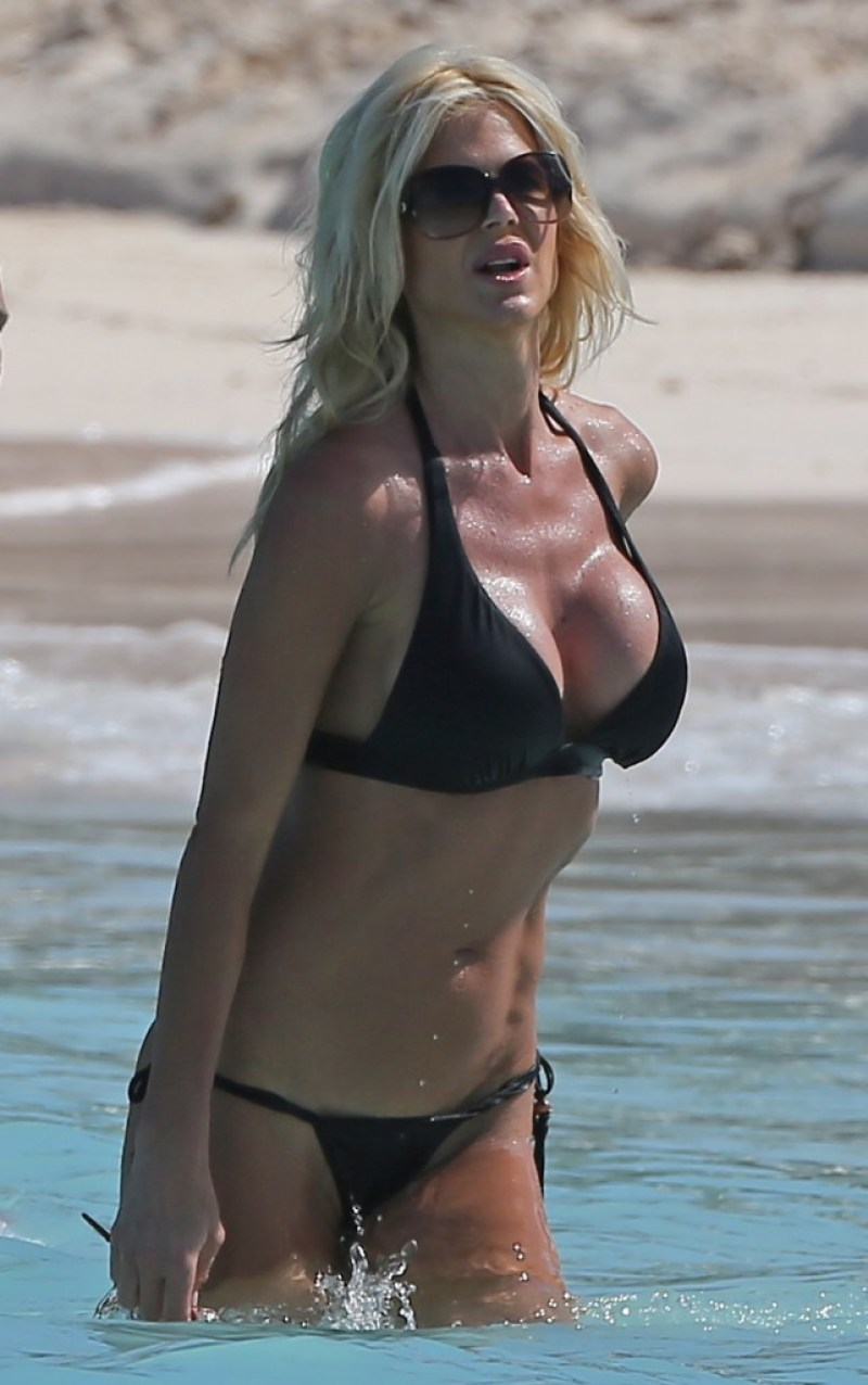 Victoria Silvstedt 21
