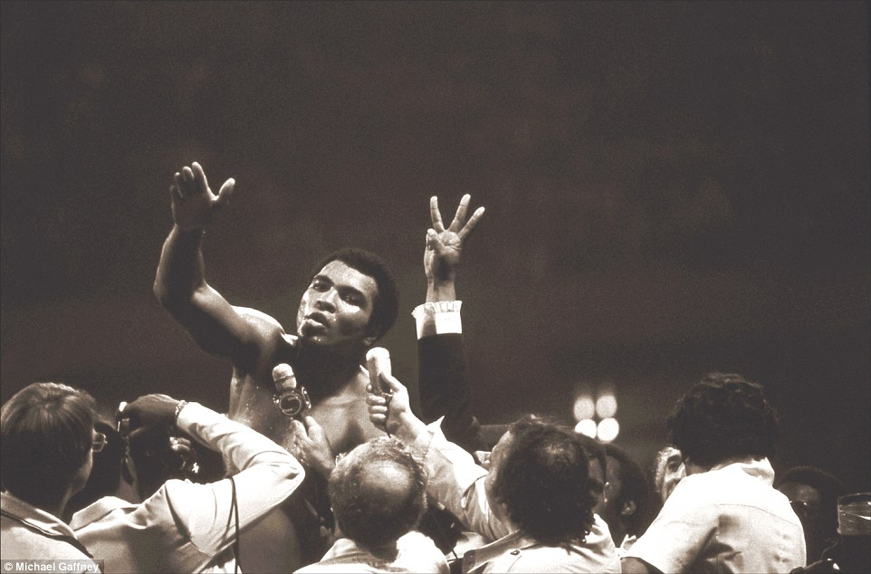 3208EB6500000578-3484098-September_15_1978_Muhammad_Ali_beat_Leon_Spinks_to_win_the_Heavy-a-162_1457539755709
