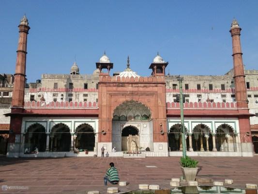 Мечеть Фатехпури (Fatehpuri Masjid)