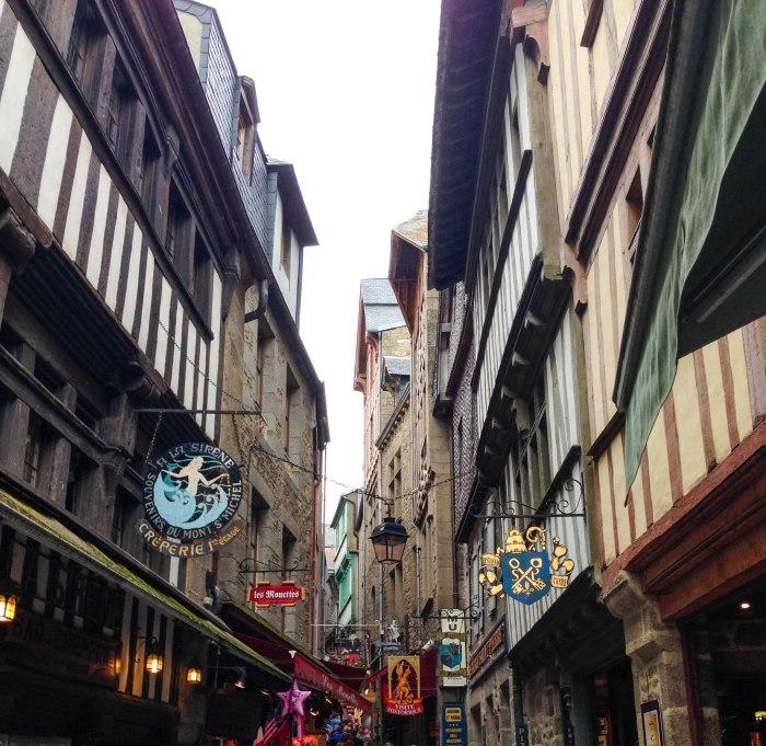 mont saint michel streets