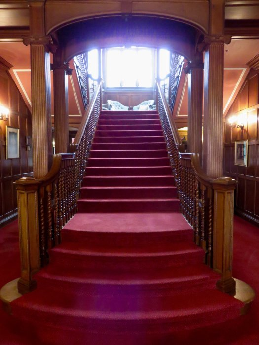 cumberland-lodge-staircase-kings-speech