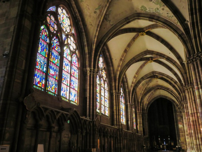 strasbourg cathedral aisle