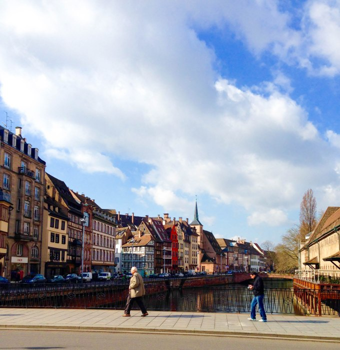 strasbourg canal with houses