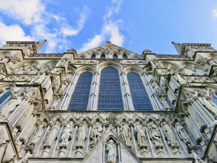 salisbury-cathedral-up-close