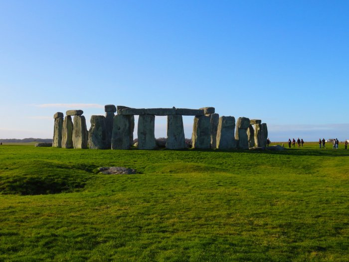 image of stonehenge in england on a sunny day