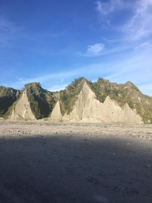 pinatubo chocolate hills of bohol