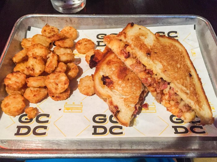 imags of gcdc dc grilled cheese restaurant meal carolina bbq grilled cheese and tots