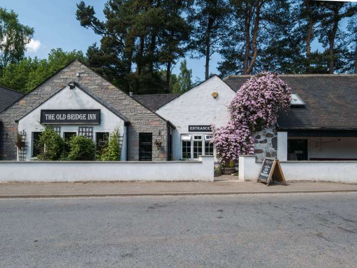 The Old Bridge Inn, a wonderful place to eat in Aviemore, Scotland #Cairngorms #Scotland #Aviemore