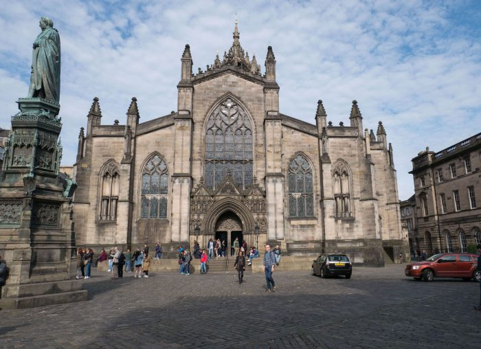 image of the exterior of St. Giles Cathedral in Edinburgh, Scotland