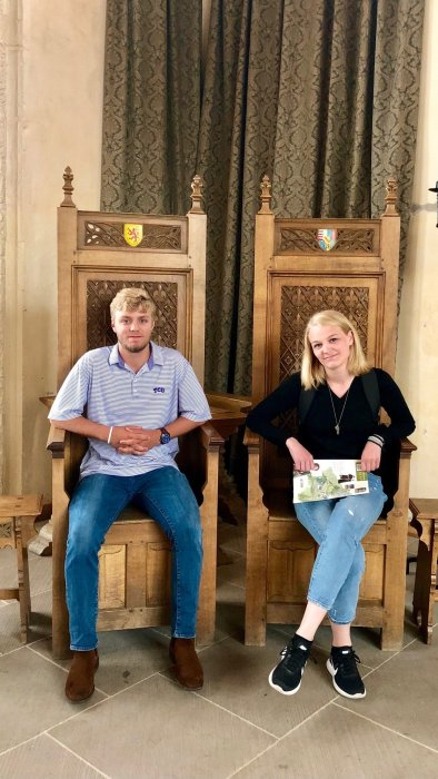 sibling picture in stirling castle