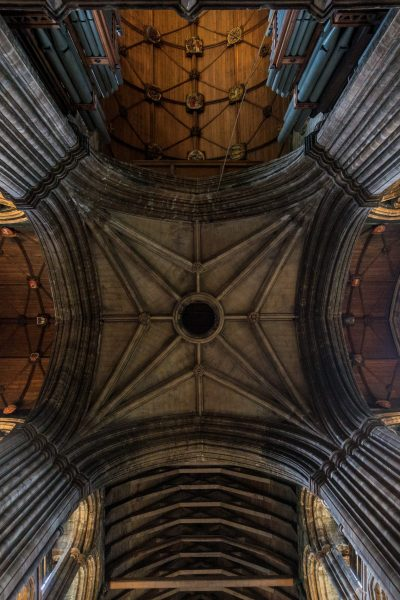 ceiling view of glasgow cathedral