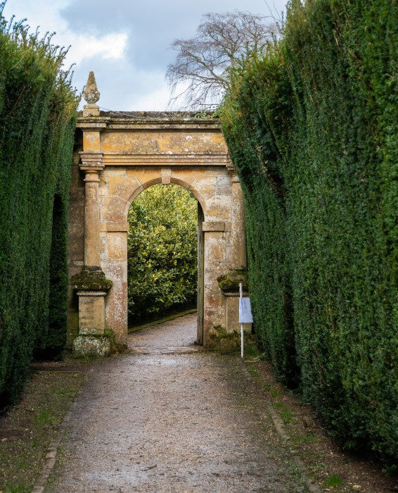 garden arch on the grounds of sudeley castle