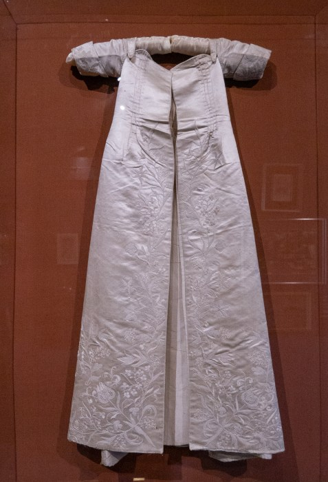 supposed christening dress of queen elizabeth I